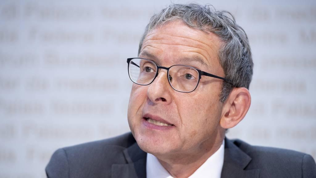 Aargauer Regierungsrat Urs Hofmann mit Applaus verabschiedet