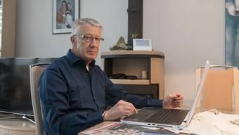 Nur in einem Jahr habe er die Steuererklärung von Senioren von Hand ausgefüllt – nun hat er stets den Laptop dabei, erzählt Josef Rudolf.