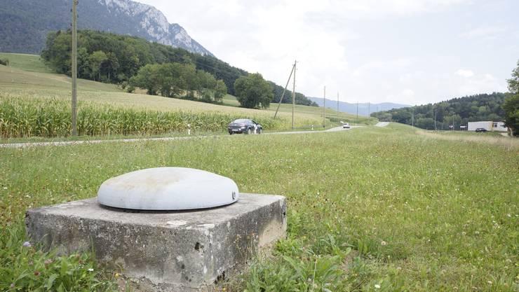 Durchlaufschacht der Widlisbachquelle in Rüttenen: Massnahmen an der durch die Schutzzone führenden Kantonsstrasse sollen sicherstellen, dass das Wasser nicht verunreinigt wird.