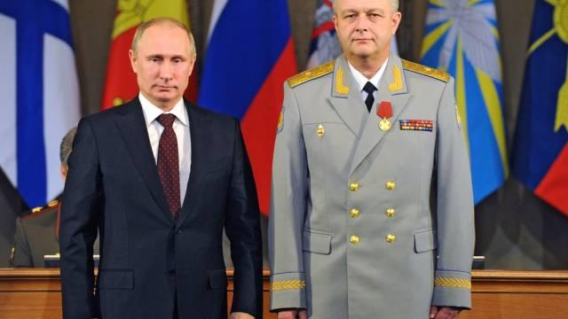Putin mit Kommandant Alexander Golovko am Dienstag in Moskau