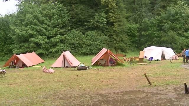 Pfadfinder flüchten aus Lager