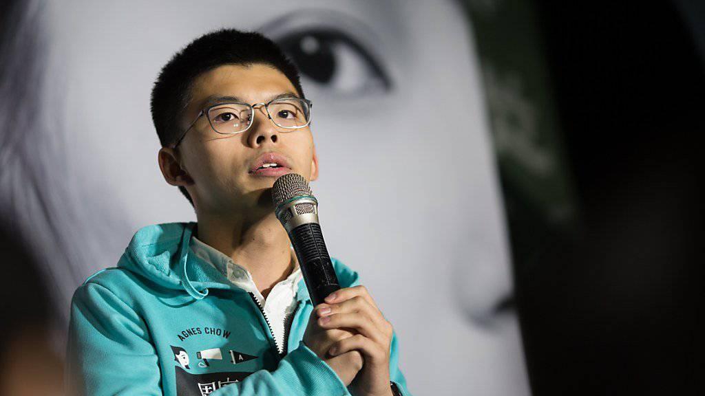 Der Hongkonger Protestführer Joshua Wong muss nicht zurück ins Gefängnis. (Archiv)