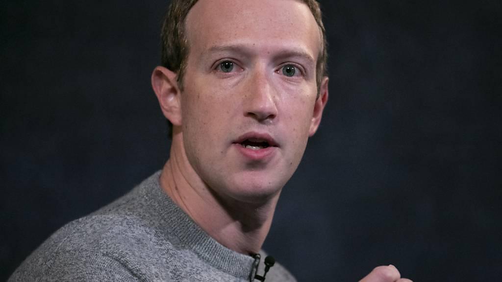 Facebook-Gründer Mark Zuckerberg (Bild) hat mit Chris Cox wieder einen wichtigen Verbündeten an Bord. (Archivbild)