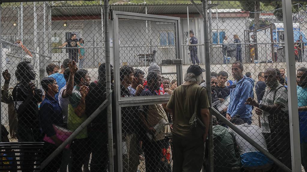 In dem für 650 Menschen ausgelegten Migrantenlager auf der griechischen Insel Samos sind derzeit mehr als 5700 Personen untergebracht. (Archivbild)