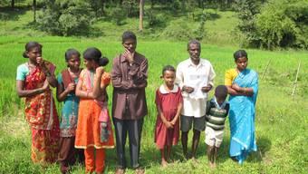 Zwischen Goa und Kerala, in den Western Gahts-Bergen, kämpfen die Adivasi gegen eine Unterdrückung durch Grossgrundbesitzer und Geldverleiher. Urwälder, Flüsse und Wildtierreservate charakterisieren das Gebiet.