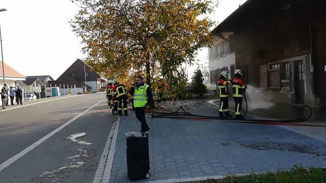 Schlussübung der Feuerwehr: Verletzte aus brennendem Haus gerettet