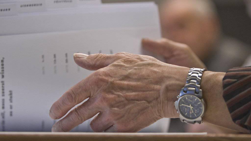Travail.Suisse fordert gute Weiterbildungsmöglichkeiten auch für Arbeitnehmende über 50 Jahren. So soll verhindert werden, dass ältere Arbeitnehmende aus dem Arbeitsmarkt fallen. (Symbolbild)