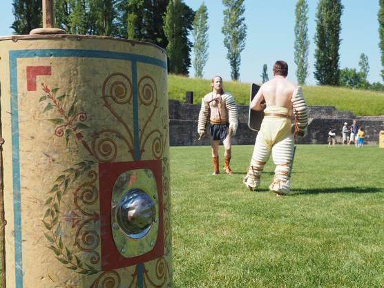 Bevor die Kämpfe starten, bereiten sich die Gladiatoren vor