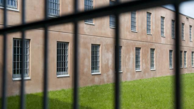 Das Ehepaar ist weiterhin in Haft. (Symbolbild)