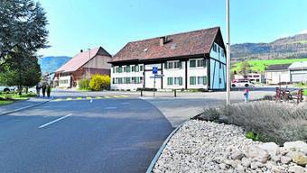 Die Freude über die neue Dorfstrasse ist im Thaler Dorf gross. Aber bei der Verkehrsregelung sind die Lager gespalten.