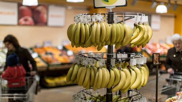 Bananen wurden in der Schweiz fast 8 Prozent billiger (Symbolbild)