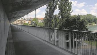 Neu in Betrieb: Der Fussgängersteg entlang der SBB-Eisenbahnbrücke.