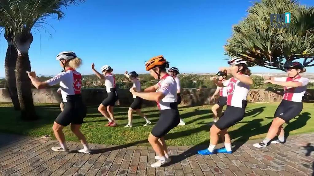 Swiss Cycling Girls tanzen Jerusalema unter warmer Sonne
