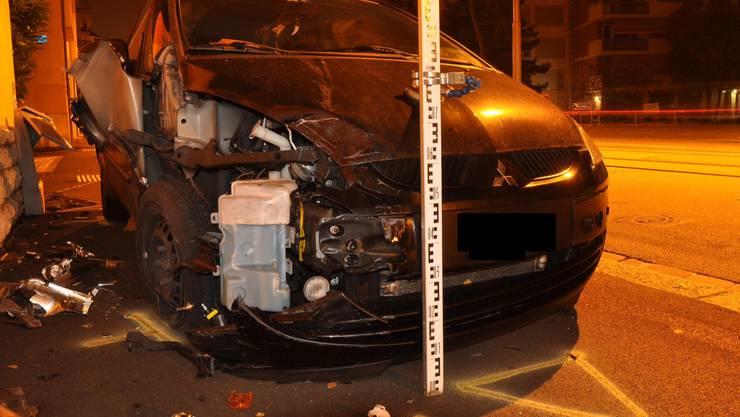 Der Fahrer wurde bei der Kollision nicht verletzt.