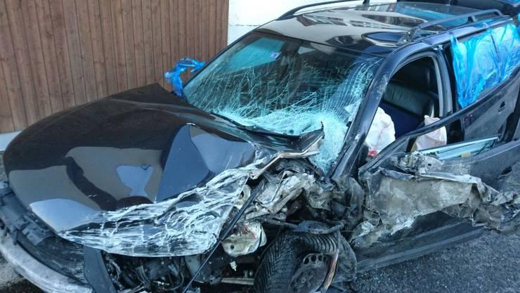 Ein 55-Jähriger wurde bei einem Unfall in Würenlos verletzt.