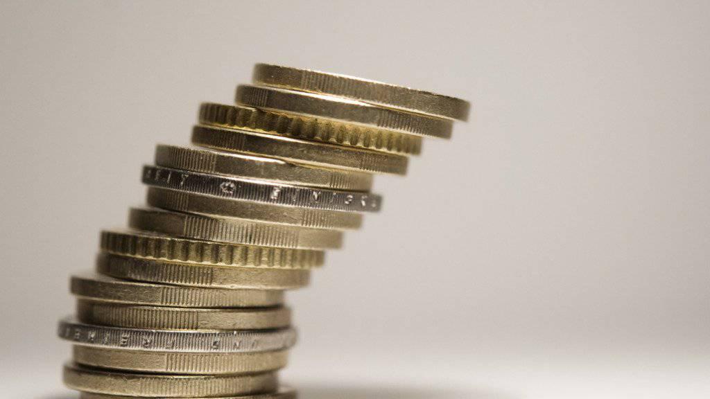 In Deutschland wird über ein Verbot von Negativzinsen bei Kleinsparern diskutiert. (Symbolbild)