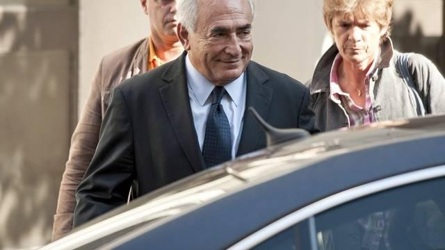 Dominique Strauss-Kahn scheint zufrieden nach dem Treffen mit Tristane Banon
