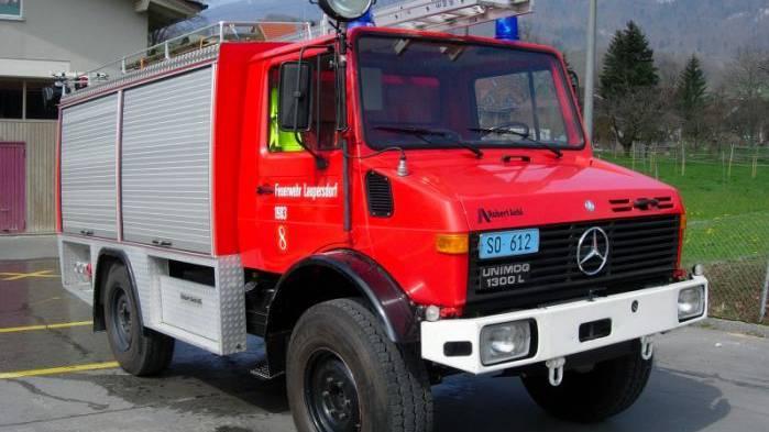 In Langendorf hat man sich noch nicht auf ein Tanklöschfahrzeug geeinigt. Man will noch ein kleineres Fahrzeug offerieren lassen. (Symbolbild: Tanklöschfahrzeug der Feuerwehr Laupersdorf aus dem Jahr 1981)