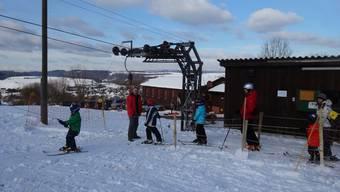 Mehr Schnee als gewöhnlich: Die Betreiber des Skilifts Föhrlimatt in Wegenstetten freuten sich. Archiv/Marc Fischer