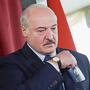 Weissrusslands Präsident Alexander Lukaschenko bei der Stimmabgabe in der Hauptstadt Minsk.