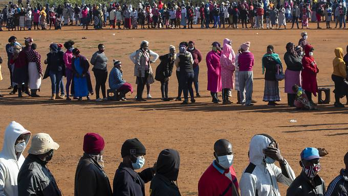 Das  Coronavirus breitet sich auf dem afrikanischen Kontinent wieder weiter aus - das Land Südafrika ist dabei besonders betroffen. (Archivbild)