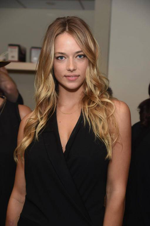 Hannah Ferguson zeigt, was sie hat (© Getty Images)