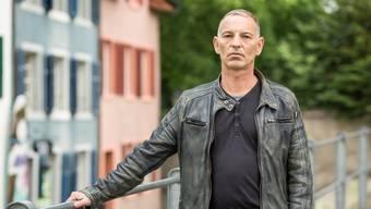 Missbrauchsopfer Andreas Santoni hat sein Schweigen gebrochen – vor 40 Jahren lebte er im Kinderheim St. Benedikt in Hermetschwil.