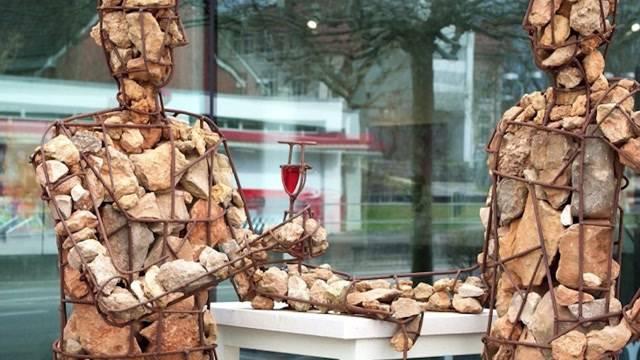 Unbekannte zerstören ein Kunstwerk