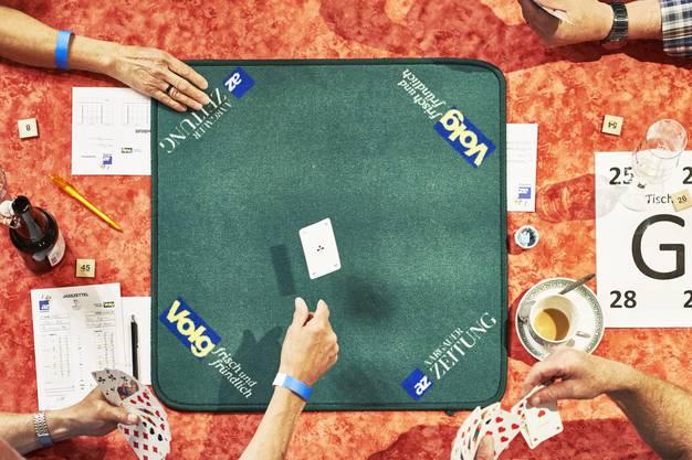 Das Spiel beginnt: Glück und Können braucht es gleichermassen.