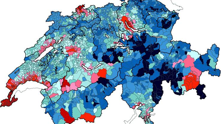Solothurn als blaue Oase zwischen Bern und Basel: Das frei verfügbare Einkommen ist in unserem Kanton vergleichsweise hoch (blau hoch, rot tief). Grafik: Credit Suisse Economic Research