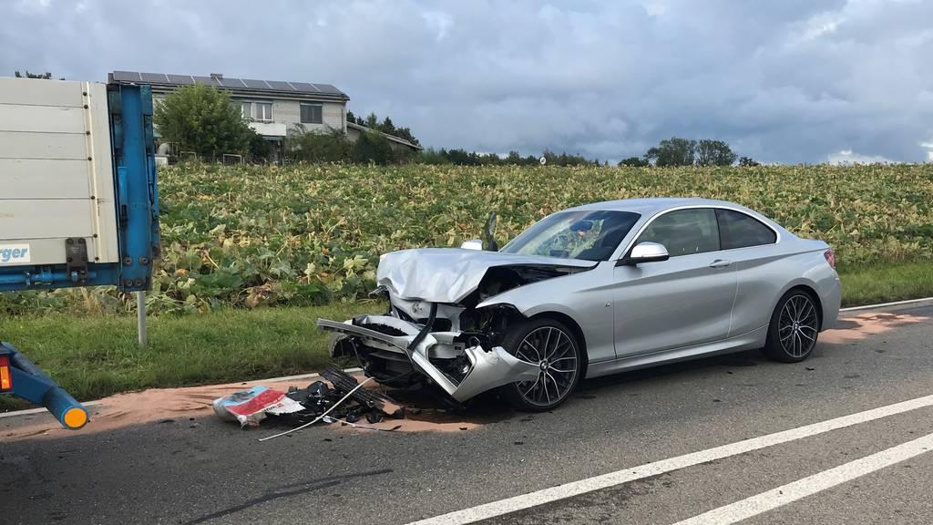 20-Jähriger schläft ein und schrottet BMW
