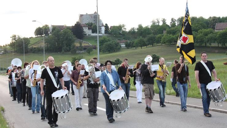 Musikgesellschaft Möriken-Wildegg bei der letzten Marschmusikprobe vor dem Eidgenössischen Musikfest.  Markus Christen
