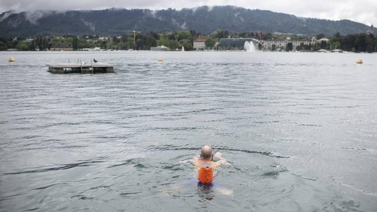 Ein letzter Schwumm im Zürichsee war bis gestern Sonntag noch im Seebad Utoquai möglich.
