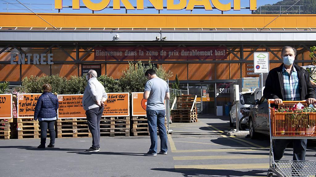 Der Heimwerker-Boom in der Corona-Pandemie lässt bei der Baumarktkette Hornbach die Kassen klingeln. Der Betriebsgewinn legte letztes Jahr um 40 Prozent zu. (Archivbild)
