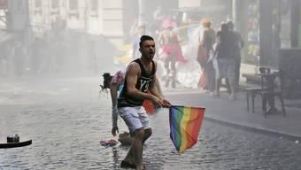 Schwulen- und Lesbenparade in Istanbul