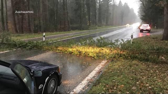 Sturmschäden in der ganzen Region