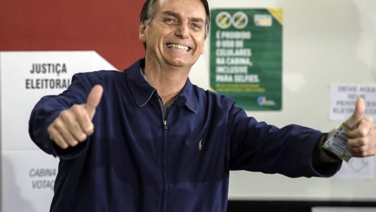 Zweieinhalb Wochen vor der Stichwahl in Brasilien sehen Meinungsforscher den rechtspopulistischen Präsidentschaftskandidaten Jair Bolsonaro deutlich im Vorteil. (Archivbild)