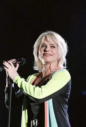 """Die französische Sängerin erliegt einer Krebserkrankung. International bekannt wurde sie durch ihren Song """"Ella, elle l'a""""."""