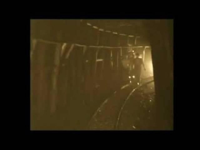 Das Bergwerk, als es noch in Betrieb war – dokumentiert in der Schweizer Filmwochenschau aus dem Jahr 1943.