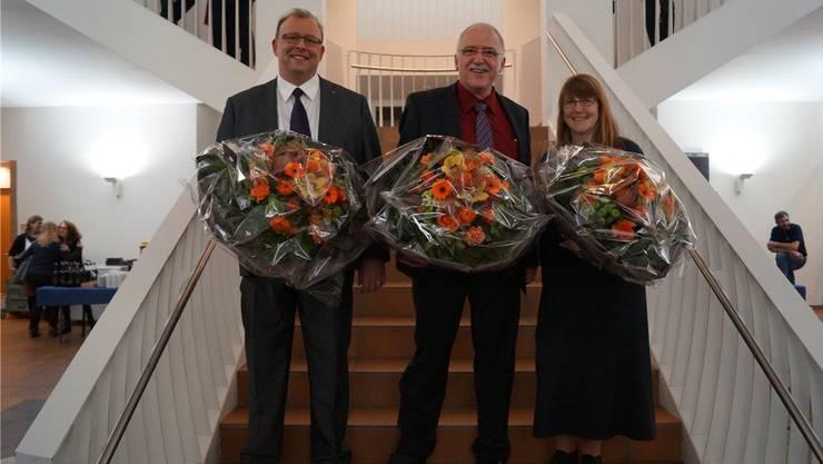 Der neue Gemeinderatspräsident Jörg Dätwyler (Mitte) zusammen mit dem 1. Vizepräsidenten Martin Romer und der 2. Vizepräsidentin Esther Sonderegger.