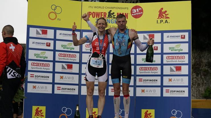 Die strahlenden Sieger: Schweizerin Nina Zoller und Belgier Diego Van Looy.