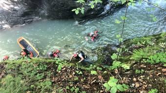 Rettungskräfte konnten in der Jaunbachschlucht einen abgestürzten Wanderer retten. Der Mann wurde verletzt ins Spital gebracht.