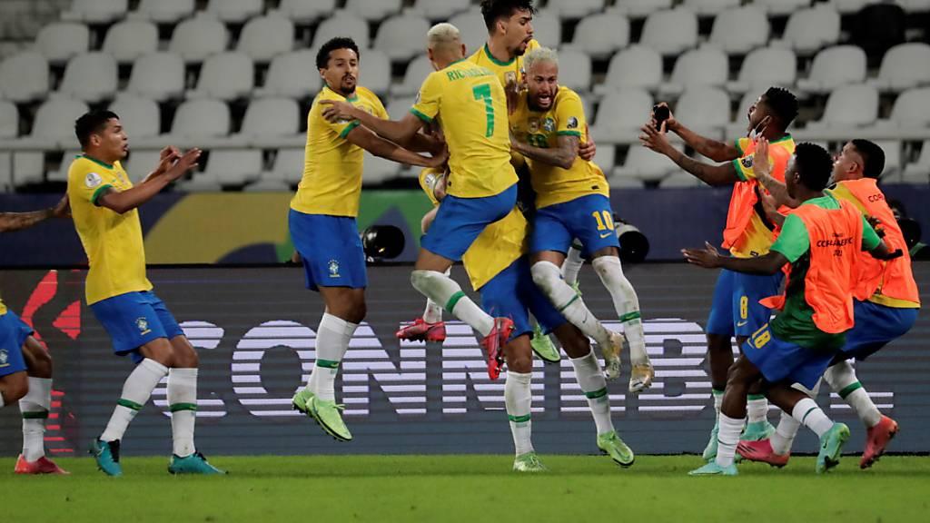 Die Brasilianer freuen sich über einen hart umkämpften Sieg gegen Kolumbien