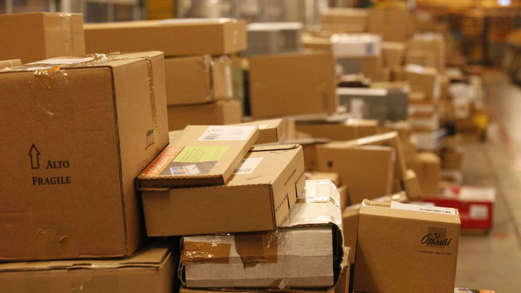 Vor Weihnachten stapeln sich die Päckli im Paketzentrum Frauenfeld
