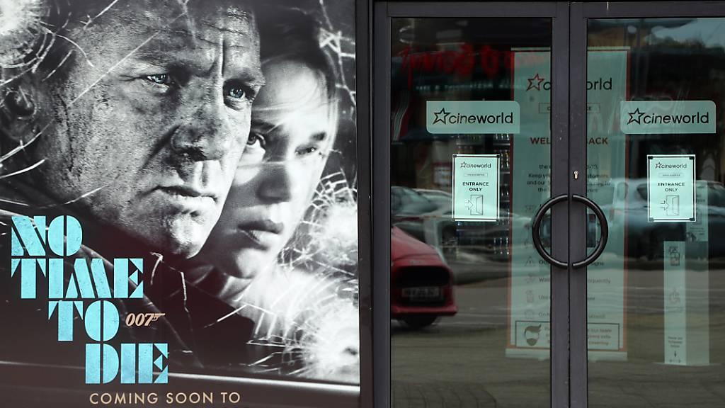 Wegen der Corona-Pandemie schließt die große Kinokette Cineworld vorübergehend ihre Häuser in Großbritannien und den USA. Davon seien bis zu 45.000 Beschäftigte betroffen, teilte das Unternehmen in London mit. Foto: Gareth Fuller/PA Wire/dpa