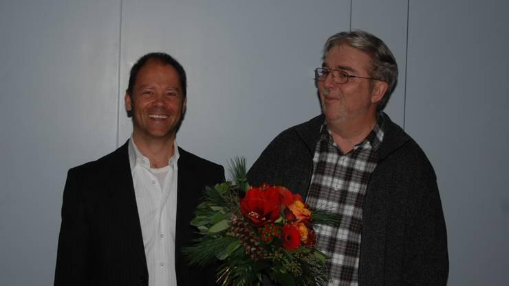 Roger Sigg (links) gratuliert dem neugewählten Sandro Polenta