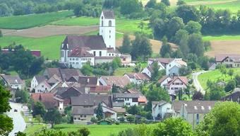 Herznach hat wieder fünf Gemeinderäte - Thomas Treyer wird Ammann, Catherine Gasser Vizeammann.
