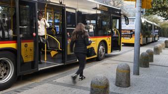 Dank der Sanierung des Weissensteintunnels und der nachfolgenden Verbesserung des Fahrplanangebotes zwischen Solothurn und Gänsbrunnen-Moutier wird nun das Buskonzept im Thal überarbeitet. (Archivbild)