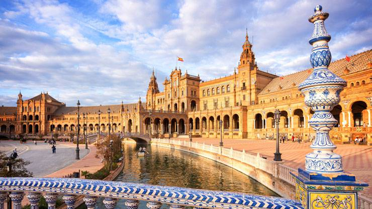 Die Plaza de España. Laut Tomas Vaclik einer der schönsten Plätze der Welt.