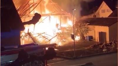 Mit dem Brand dieses Hauses fing vor einer Woche alles an.